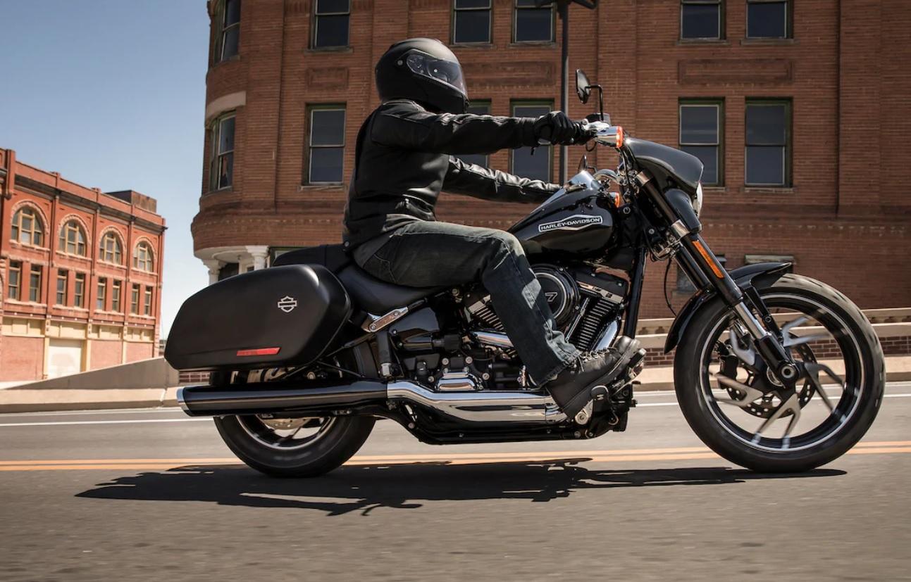 motorcycle cruiser style